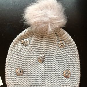 Express NWOT Gray Pom hat with sparkles